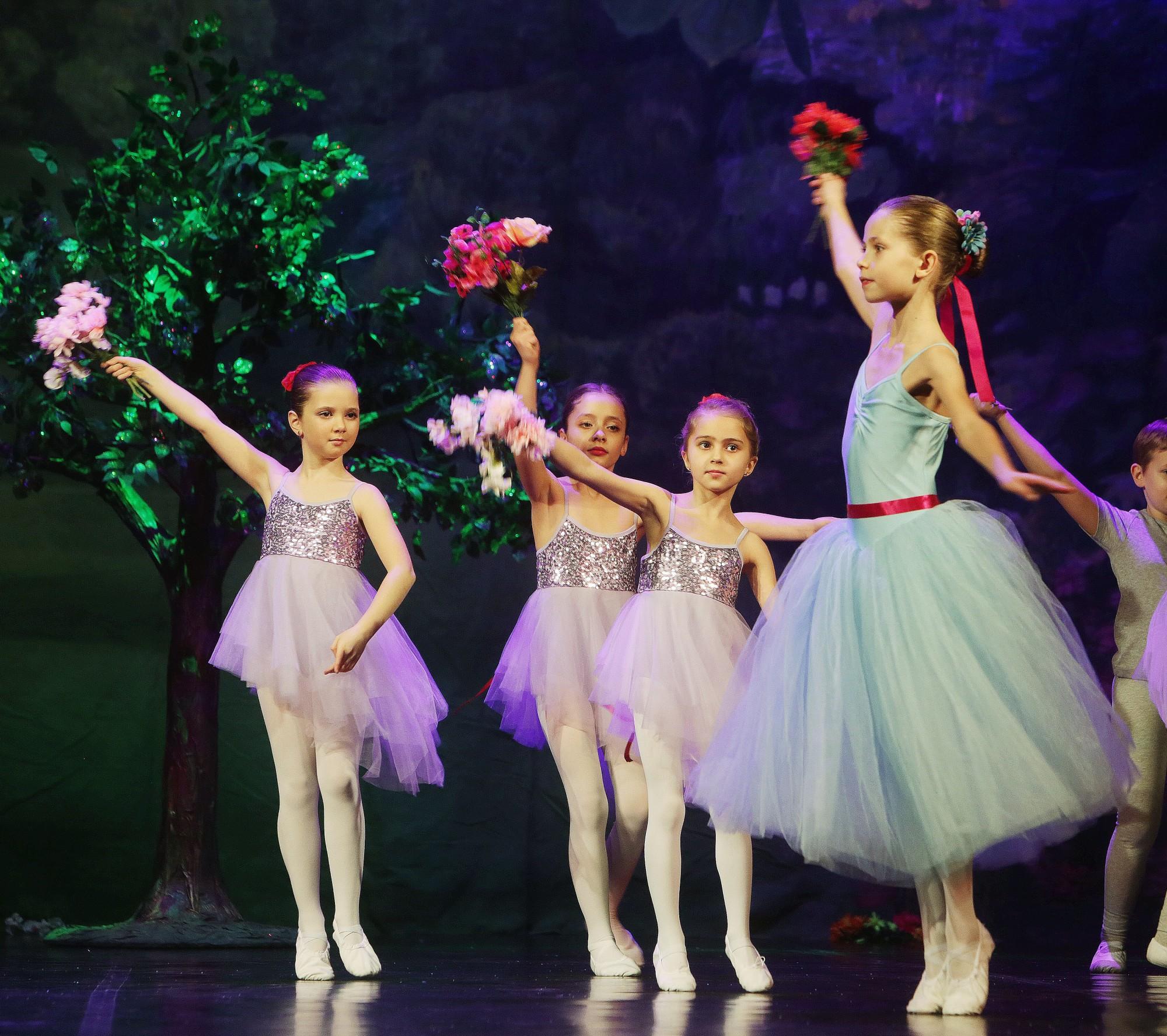 balet2019_094~2